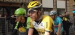 Bram Tankink kneust zijn hand tijdens verkenning Parijs-Roubaix
