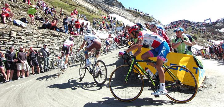 'Giro 2018 kent slotpassage in de Alpen, Colle delle Finestre blikvanger'
