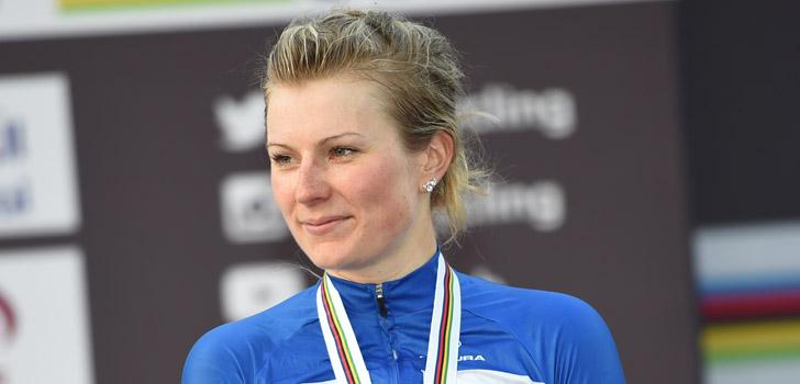 Lotta Lepistö verslaat Marianne Vos in Vårgardå