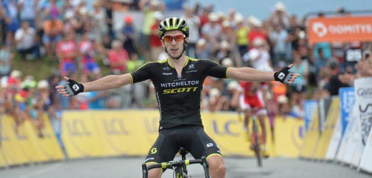 Mitchelton-Scott met nieuwe naam op shirt in Ronde van Frankrijk