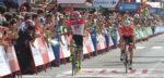 Vuelta 2018: Simon Clarke klopt Bauke Mollema na lange vlucht