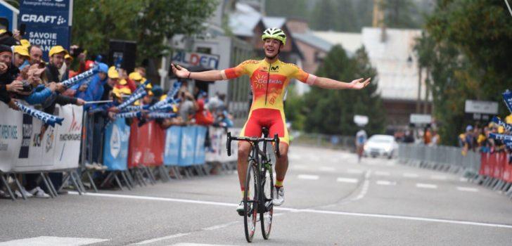 Barcelo wint in Tour de l'Avenir na lange solo, Arensman behoudt podiumplek