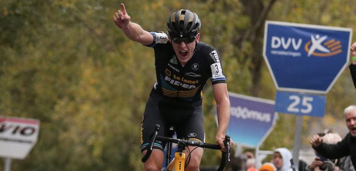 Toon Aerts wint spannende Koppenbergcross, Van der Poel kopje onder