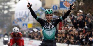 "Schachmann wint GP Industria e Artigianato: ""Heel mooi om te winnen na teleurstelling van gisteren"""