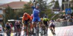 Julian Alaphilippe schittert ook in Tirreno, Adam Yates nieuwe leider