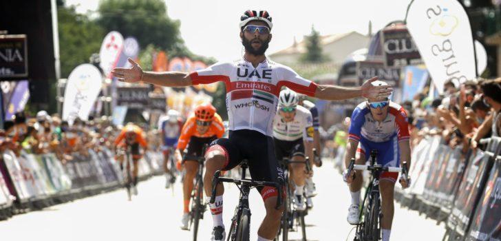 UAE Emirates met waar sterrenensemble naar Milaan-San Remo