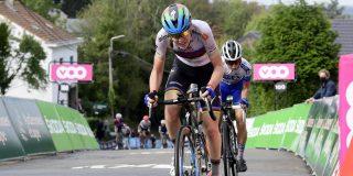 """Anna van der Breggen: """"Ik voelde me vermoeid, maar ploeg was geweldig"""""""