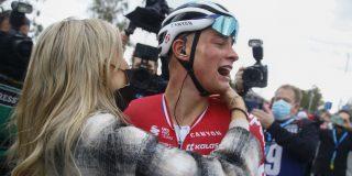 """Mathieu van der Poel na zege in De Ronde: """"Ik durfde niet te juichen"""""""