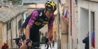 """Trainer Wout van Aert: """"Tirreno-Adriatico was zo zwaar, dat was geen opbouwweek"""""""