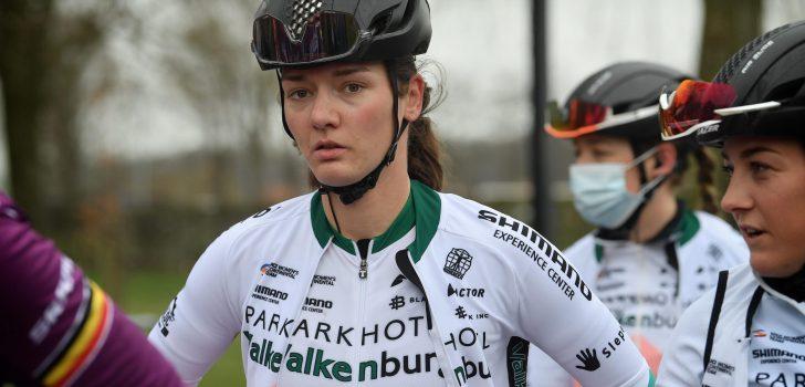 Sylvie Swinkels breekt sleutelbeen bij zware val