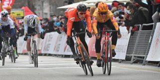 Arvid de Kleijn wint openingsrit Ronde van Turkije bij rentree Fabio Jakobsen
