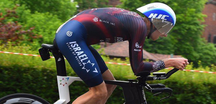 Giro 2021: Krists Neilands eerste uitvaller na val op weg naar hotel