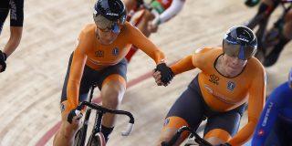 Amy Pieters en afscheidnemende Kirsten Wild winnen WK koppelkoers
